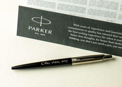 Pero Parker Jotter Muted Black s věnováním