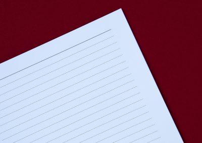 Zářivě bílý papír